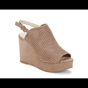 Seychelles Landscape Perforated Wedges